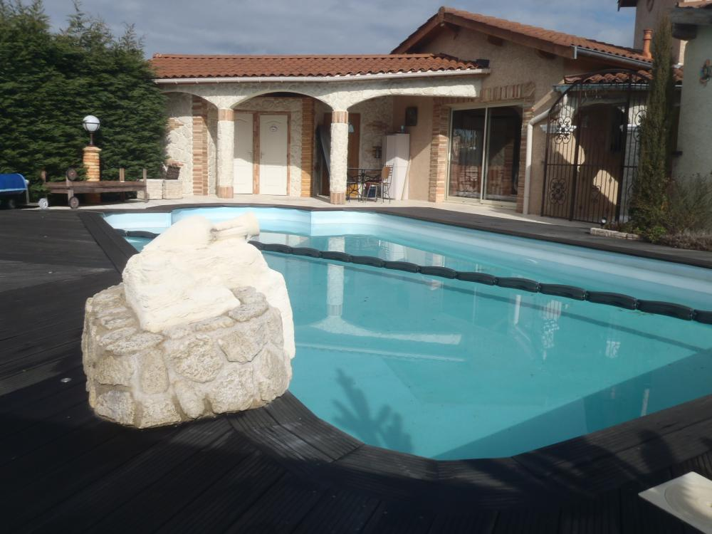 Chatagnon immobilier maison villa belles prestations for Prix piscine 9x5